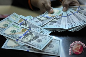 Dolar AS menguat didukung data PDB yang positif