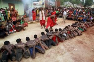450 orang cedera dalam festival lempar batu di India Tengah