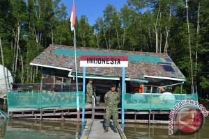 Upacara bendera, pos perbatasan RI-Malaysia tutup sementara