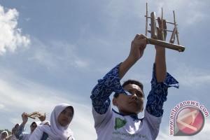Jawa Barat ingin sebarkan pesan damai dengan angklung