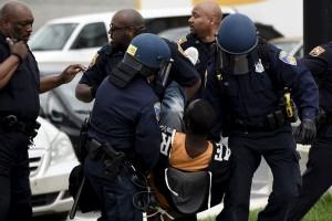 Kepolisian Baltimore kerap langgar hak warga