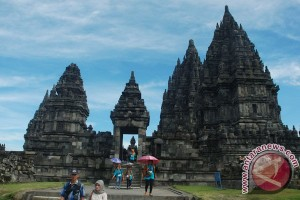 Candi Prambanan menjadi favorit wisatawan