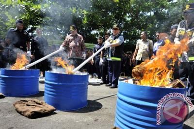 Menteri Keuangan musnahkan barang ilegal di Sulsel