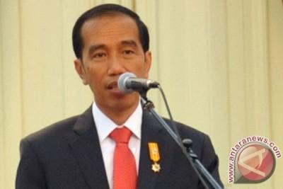 presiden saksikan prosesi penerimaan jenazah korban hercules