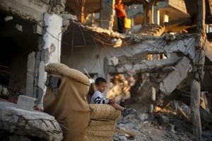 Pesawat Israel hantam Gaza setelah tembakan roket