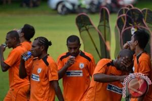 Persipura tahan imbang Bali United 0-0