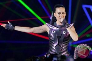 Katy Perry kalahkah Taylor Swift di pendapatan tertinggi