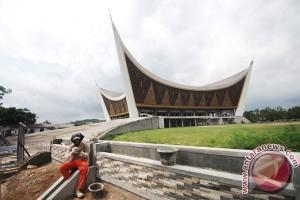 Demi wisata Padang, Pemda terbitkan stiker rekomendasi rumah makan