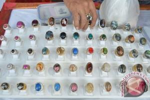 Pasar batu akik di Palembang mulai lesu