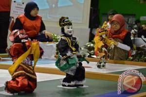 Ada robot penari topeng Betawi di Kontes Robot Indonesia