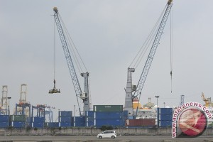 Impor Indonesia naik 3,61 persen, hampir seperempat dari Tiongkok