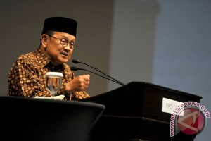 Habibie berpendapat PLTN tepat untuk hemat anggaran