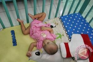 Latih gerak bayi dengan bernyanyi