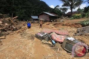 Banjir bandang di Merangin hanyutkan dua rumah