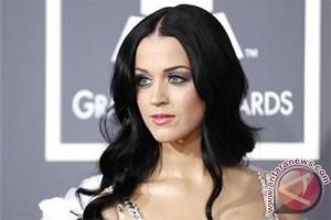 Berpisah dari Orlando Bloom, Katy Perry bersuara di Twitter