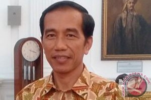 President Jokowi launches revitalization program for traditional markets