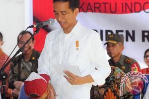 Presiden Jokowi minta dana konpensasi kartu untuk belanja produktif