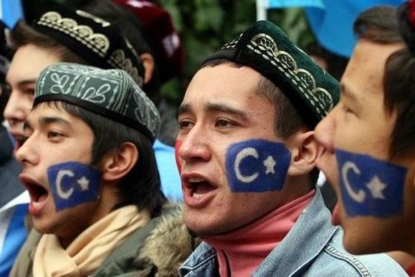 China gelar kampanye antiterorisme di pemukiman Uighur Xinjiang