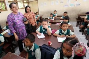 Menteri Yohana kunjungi posko mudik Kampung Rambutan