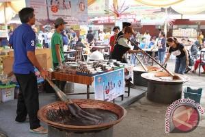 Jakarta Fair bagikan takjil gratis selama Ramadhan