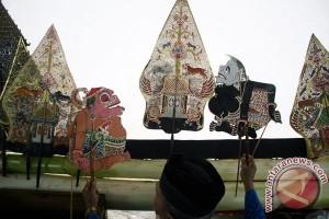 800 seniman pentas di Festival Lima Gunung