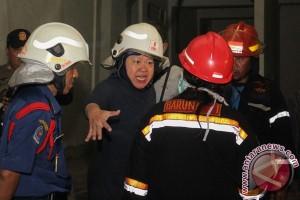 Dua toko di Bukittinggi terbakar