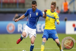 Penalti Kiese Thelin antarkan Swedia U-21 atasi Italia 2-1