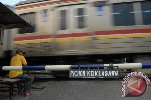 Pelajar tewas tersambar kereta di Bekasi