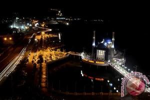 Tarawih Masjid Terapung Makassar
