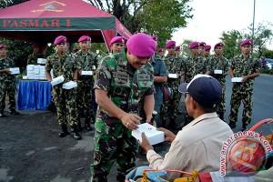 Korps Marinir Bagi Takjil