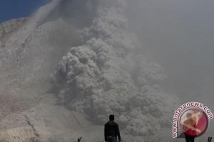 Banjir lahar dingin Gunung Sinabung sering terjadi