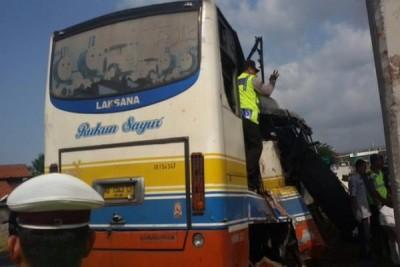 Kecelakaan libatkan tiga kendaraan di tol Pluit