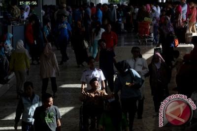 Arus mudik di Bandara Hasanuddin Makassar naik 20 persen