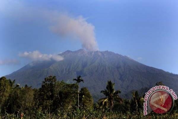 Status Gunung Raung Maret 2015 Status Gunung Raung Turun Jadi