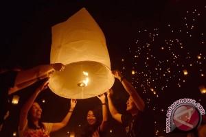 Ribuan lampion meriahkan HUT ke-469 Kota Semarang