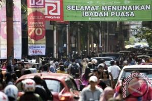 Pusat perbelanjaan di Padang mulai beri diskon