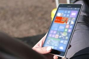 Smartphone berlayar 5,3 inci favorit di AS dan Inggris