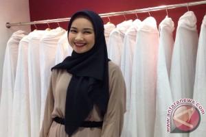 Alya Rohali damai hati lewat jilbab
