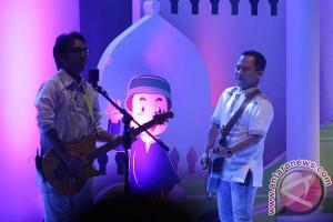 Wali Band tanam trembesi di Madura