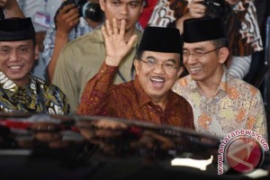 "Jusuf Kalla ""open house"" Idul Fitri di Istana Wakil Presiden"