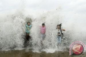 Tiongkok siaga oranye untuk hadapi topan hebat Dujuan