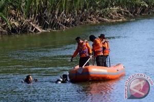 Dua bocah di Semarang hanyut di sungai