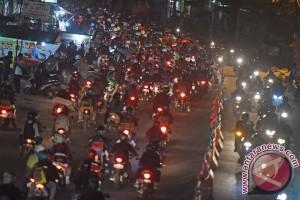Arus balik jalan arteri Karawang ramai lancar