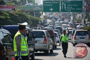 Lalu lintas jalur Puncak-Cianjur berangsur normal
