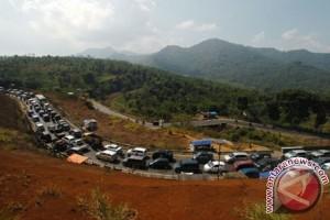 Penyempitan jalur Limbangan penyebab kemacetan jalur selatan Jabar
