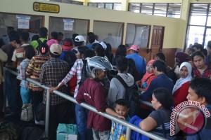 Malaysia perketat pemeriksaan pendatang, TKI mudik kurang