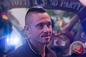 Chelsea incar dua bintang Roma