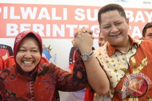 Rasiyo-Lucy tantang Risma-Whisnu di pilkada Surabaya