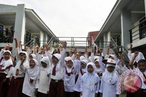 Pegawai antar anak sekolah diberi dispensasi kehadiran