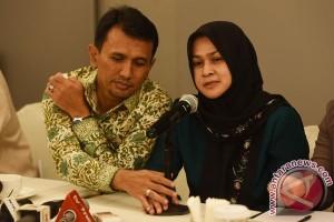 Gubernur Sumut dan istri diperiksa sebagai tersangka